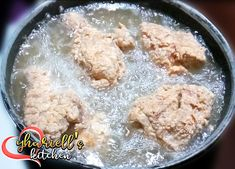Hi to my Ykitchen's let's do a crispy juicy Fried Chicken Ingredients Chicken Ground pepper Flour CornStarch Egg Seasoning Una hugasa. Fried Chicken Ingredients, Crispy Fried Chicken, Corn Starch, Fries, Salt, Eggs, Recipes, Black, Egg