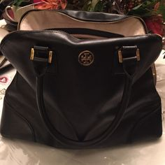 AUTH BLACK TORY BURCH HANDBAG Pre owned condition, makeup stains on inside, few marks on exterior, more pics if needed, gold logo, strap was repaired but is slightly noticeable when close up, accepting reasonable offers Tory Burch Bags