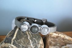 Lederarmband grau - schwarz  von DaiSign auf DaWanda.com