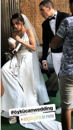 Eylul erdem Strapless Dress Formal, Formal Dresses, Elsa, Actresses, Celebrities, Fashion, Turkish Language, Beautiful Women, Dresses For Formal
