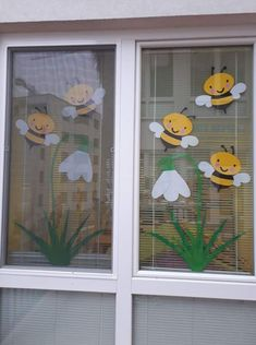 Learn how to make easy and fun Spring crafts for kids - all you need are a few supplies you can buy at your local dollar store Classroom Window Decorations, School Decorations, Spring Crafts For Kids, Diy For Kids, Flower Crafts, Preschool Crafts, Paper Crafts, Baby Bedroom, Bedroom Decor