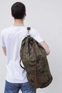 e8129e78785 Army green camouflage sailor bag/ durable fabric. Summer bag for men.Sports  bag