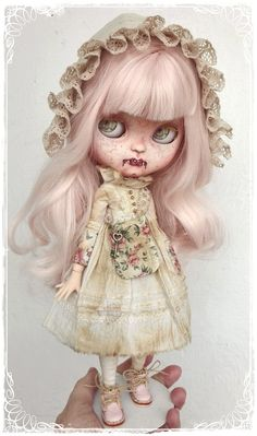 Alazne, Pale Vampire girl by Antique Shop Dolls