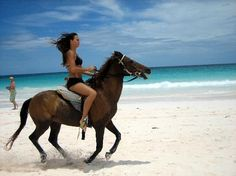 Punta Cana Horseback Ride along the beach Equestrian Outfits, Equestrian Style, Yay Or Neigh, Woman Riding Horse, Riding Horses, Horseback Riding Outfits, Horse Care Tips, Chincoteague Ponies, Riding Helmets