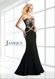 Sweetheart strapless dress with gorgeous detailed bodice in this floor length skirt. Style K6424