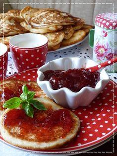 Kouzlo mého domova: Lívance Czech Recipes, Sweet Recipes, Pancakes, Czech Food, Food And Drink, Baking, Breakfast, Morning Coffee, Bakken
