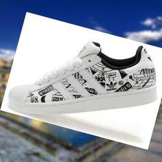 pretty nice b4b3d a577b Precio m s bajo Adidas Superstar 2 Zapatos Para Hombre Blanco Graffiti dLrlB