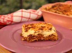 Λαζάνια με κιμά και μελιτζάνες…έρωτας! Lasagna, Liquor, Sandwiches, Ethnic Recipes, Food, Alcohol, Essen, Meals, Paninis