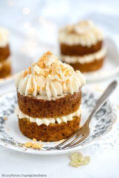Mini Hummingbird Cakes with Pineapple Cream Cheese frosting - Supergolden Bakes - Mini Hummingbird Cakes with Cream Cheese Pineapple frosting Tea Cakes, Mini Cakes, Cupcake Cakes, Bundt Cakes, Mini Desserts, Just Desserts, Delicious Desserts, Gourmet Desserts, Plated Desserts