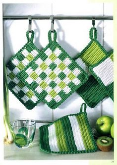 Ideas crochet clothes patterns pot holders for 2019 Crochet Hot Pads, Crochet Diy, Crochet Home, Crochet Crafts, Crochet Projects, Crochet Ideas, Crochet Geek, Crochet Quilt, Potholder Patterns
