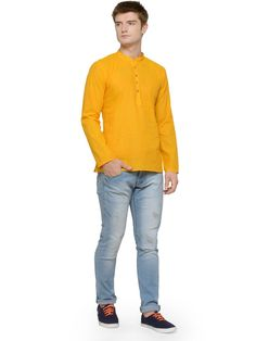 No efforts are put in by men to get the perfect look for haldi ceremony. So, here we have some outfit ideas for men. Indian Men Fashion, Mens Fashion, Haldi Ceremony, Indian Man, Denim, How To Wear, Outfits, Wedding, Moda Masculina