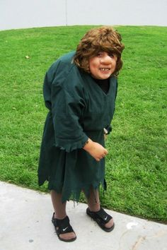 These Hunchback of Notre Dame Costumes are ugly as sin, and great for Halloween! Disney Cosplay, Disney Costumes, Adult Costumes, Halloween Ii, Halloween Costumes For Kids, Halloween Ideas, Esmeralda Costume, Gypsy Costume, Costume Collection
