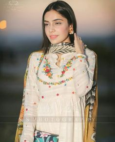 Source by Dresses indian Embroidery Suits Punjabi, Embroidery Suits Design, Embroidery Fashion, Embroidery Dress, Beaded Embroidery, Hand Embroidery, Punjabi Suits Designer Boutique, Indian Designer Suits, Designer Party Wear Dresses