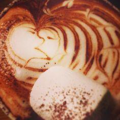 夜カフェも熱熱ですね( ´▽`)ゞ♬ #カフェ#ケーキ#夜カフェ