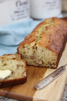 Sharing our Best Banana Bread Recipe for you to make and enjoy with your friends and family. So easy and delicious, it will be your new go to Banana Bread. Easy Banana Bread, Banana Bread Recipes, Cake Recipes, Dessert Recipes, Semi Homemade Cake Recipe, Homemade Cakes, Fruit Bread, Keto Cheese, Low Carb Bread