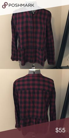 Madewell peplum plaid buttondown This buffalo plaid button down has a pretty peplum at the waist and can be worn all the way buttoned up for a neat look or with a few buttons undone. Only been worn 3x and in excellent condition. Madewell Tops Button Down Shirts