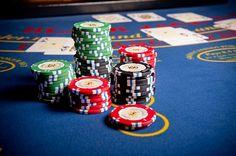 Mit dem neuen Geldspielgesetz wird das Glücksspiel in der Schweiz neu reguliert. Dies wird einige Veränderungen vor allem für die Schweizer Casinos mit sich bringen. Das Glücksspiel gilt auch in der Schweiz als wichtige Einnahmequelle. Steuerfreie Lotteriegewinne und legale Pokerturniere in der Schweiz