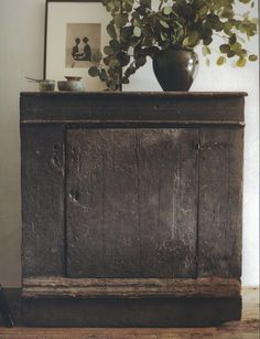 Wabi Sabi (Ma) from 'Interiors/Atelier AM' Wabi Sabi, Primitive Furniture, Rustic Furniture, Painted Furniture, Dark Furniture, Furniture Nyc, Modern Furniture, Furniture Design, Deco Boheme