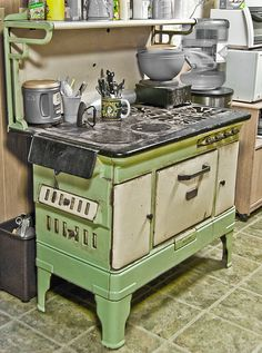 Vintage Moore Stove - I know - these aren't quite as good as new one's - But there is just something charming and romantic about old Kitchen stoves like this. A perfect fit for the cottage! Old Kitchen, Country Kitchen, Vintage Kitchen, Kitchen Decor, Country Cooking, Kitchen Ideas, Kitchen Design, Cuisinières Vintage, Vintage Decor
