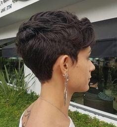 Hair Beauty - 25 Cutest Short Layered Hairstyles for Messy Hair - Wass Sell Short Curly Hair, Curly Hair Styles, Natural Hair Styles, Very Short Hair, Thick Hair, Short Wavy, Short Layered Haircuts, Best Short Haircuts, Short Hair With Layers