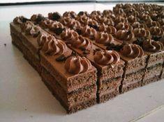 Čokoládové rezy, recepty, Zákusky | Tortyodmamy.sk Czech Desserts, German Desserts, Cookie Desserts, Just Desserts, Slovak Recipes, Czech Recipes, Baking Recipes, Cake Recipes, Dessert Recipes