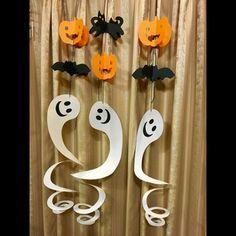 お化けのモビール Fall Crafts, Diy And Crafts, Paper Crafts, Holidays Halloween, Halloween Crafts, Candle Sconces, Diy For Kids, Activities For Kids, Projects To Try