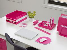 Your office will look so pretty in pink with these bright @Poppin desk accessories!