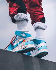 Mens Fashion Sneakers – The World of Mens Fashion Sneakers Fashion, Shoes Sneakers, Sneakers Outfit Nike, Fashion Boots, Adidas Sneakers, Zapatillas Nike Jordan, Sneakers Wallpaper, Hype Shoes, Fresh Shoes
