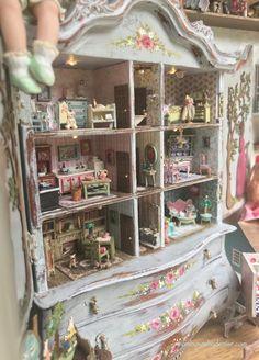 Many Mini Miniatures