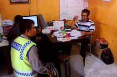 Tribratanewsmagelangkota.com - Bhabinkamtibmas Kelurahan Panjang Magelang Kota Jawa Tengah Brigadir Kepala jumadi Yunus laksanakan sambang