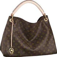 Not really crazy about Louis Vuitton but I like this simple style