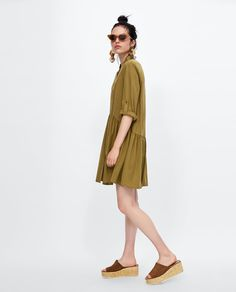 ZARA  FLOWING BUTTON-UP DRESS   39.95 EUR  COLOR: Khaki  9479/242