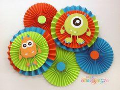 Rosetas de papel Monster / ventiladores por PetiteExtravaganzas