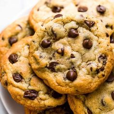 Bakery Style Chocolate Chip Cookies Ultra thick Bakery Style Chocolate Chip Cookies feature golden brown edges with ooey and gooey centers. This easy recipe can be made in 30 minutes! Bakery Style Chocolate Chip Cookie Recipe, Keto Chocolate Chip Cookies, Chocolate Chip Recipes, Keto Cookies, Cookies Soft, Sugar Cookies, Sugar Pie, Chocolate Chip Cookies Martha Stewart, Choc Chip Cookies Recipes