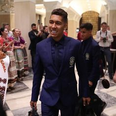 Liverpool Football Club, Liverpool Fc, Double Breasted Suit, Bobby, Suit Jacket, Suits, Jackets, Brazil, Amor