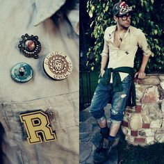 Aldo Boots, Graffiti Games, Tom Ford Glasses, Merit Badge, Men's Outfits, Hollister Jeans, G Star Raw, Vintage Pins, Style