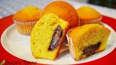 Muffin cu portocale si ciocolata tartinabila sunt un desert aromat, pufos si simplu de preparat din doar cateva ingrediente care nici nu costa mult. Cornbread, Muffins, Sweet Treats, Cupcakes, Breakfast, Ethnic Recipes, Food, Millet Bread, Morning Coffee