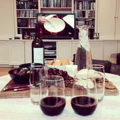 Happy Sunday: good bottle of red, cheese plate and great company :)