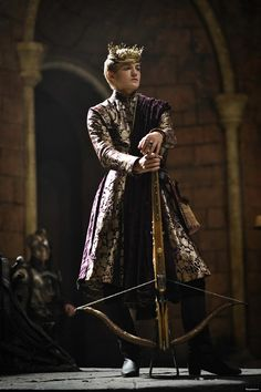 Jack Gleeson as King Joffrey Baratheon in Game of Thrones. Game Of Thrones Joffrey, Game Of Thrones Saison, Arte Game Of Thrones, Rey Joffrey, King Joffrey, Costumes Game Of Thrones, Game Of Thrones Characters, Winter Is Here, Costumes