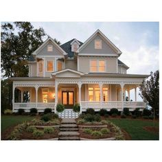 L shaped ranch style house plans inspirational l shaped house with porch ge Victorian House Plans, Victorian Homes, Farmhouse Design, Country Farmhouse, Country Living, Abandoned Farm Houses, L Shaped House, Veranda Design, Farmhouse Front Porches