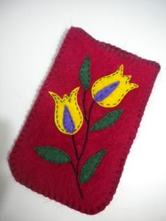 felt phone case / keçe telefon kılıfı Felt Phone Cases, Felt Pouch, Felt Mobile, Felt Embroidery, Penny Rugs, Wool Applique, Felt Flowers, Moleskine, Fabric Art