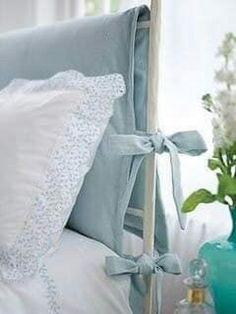 """18 têtes de lit DIY (et +) pour un effet """"wow"""" dans votre chambre à coucher - Décorations - Trucs et Bricolages Bedroom Colors, Diy Bedroom Decor, Diy Home Decor, Fairytale Bedroom, Headboard Cover, Furniture Slipcovers, Headboards For Beds, Trendy Bedroom, Soft Furnishings"""