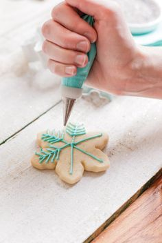 Royal Icing Recipe. #christmas #cookie #icing
