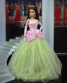 ๑Miss Falklands 2012' Barbie Gowns, Pageant Gowns, Barbie Clothes, Beautiful Barbie Dolls, Vintage Barbie Dolls, Barbie Miss, Diva Dolls, Poppy Parker, Barbie Collector