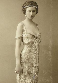 French opera singer Genevieve Vix, ca. 1910s.