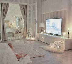 My little Livia loves to sit with her bare feet on this soft blanket in our living room … - Interior Design Interior Design Living Room, Living Room Decor, Bedroom Decor, Romantic Living Room, Romantic Bedroom Design, Decor Room, Suites, Dream Rooms, My New Room