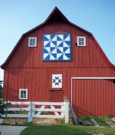 Hunter Star (large) and Ohio Star (small) barn quilt
