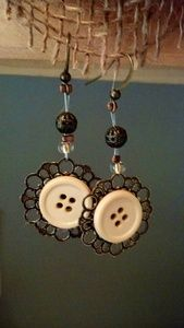 Cute website with one of a kind, homemade jewelry for sale.