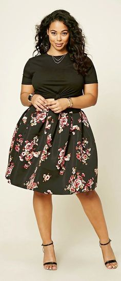Plus Size Pleated Floral Skirt