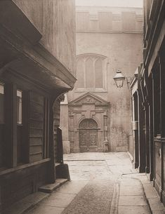 Great Saint Helen's, Bishopgate, City of London, 1886, photographed by Henry Dixon.